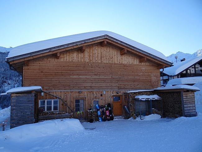 kleinwalsertal bonanza skiehuette piste rueckseite