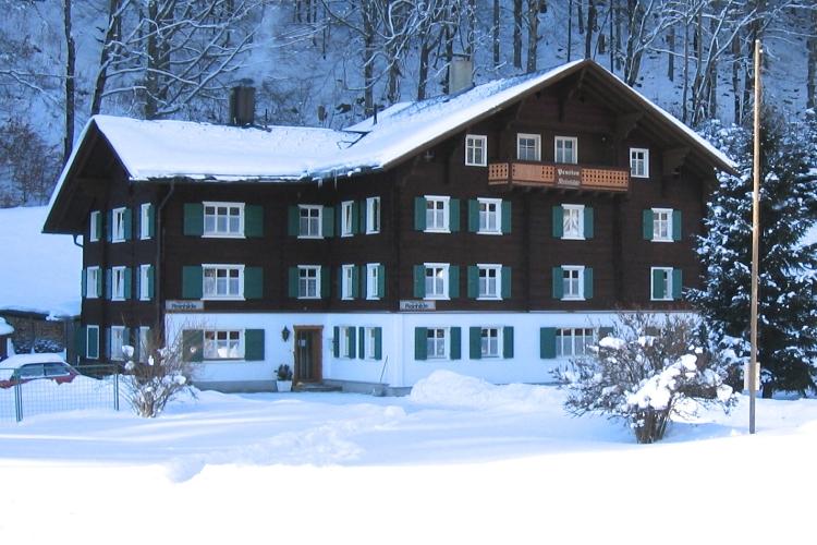 Simsalabim_Reisen-Unterkuft-in-den-Bergen_Montafon_Homebase